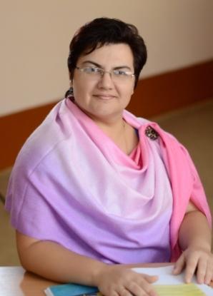 Говоруха О.О. Спеціаліст вищої категорії. Дніпропетровський національний університет, 2003, «Географія», географ, викладач