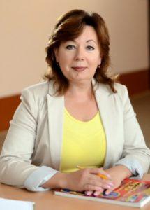 САВІЧЕВА Вікторія Леонідівна – голова циклової комісії Загальноосвітніх дисциплін, спеціаліст вищої категорії,  викладач-методист