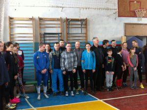 Новорічний турнір із стрибків в висоту під музику