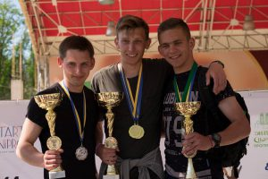 Легкоатлети ККФВ привезли з Дніпра кубок